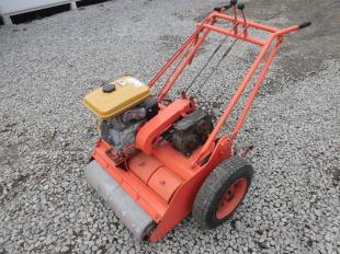 土屋機械製作所製 手押し式グリーンローラー(芝転圧機) ER2G