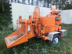 バンジット社(USA)製 木材破砕ウッドチップ製造機 ブラシチッパー 150XP-97(牽引式)