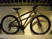 お値打ち品! 2013 SPECIALIZED HARDROCK SPORT DISC 29