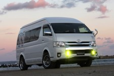 200 HIACE S-Long HR 4WD NEEDSBOX CT-9 展示!