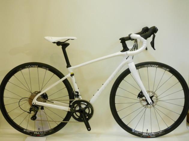 真っ白のレディースバイク ルビーコンプ