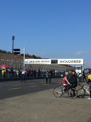 スタッフ島崎 モテギ100kmマラソンに参加してきました!